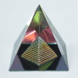 Double Crystal Pyramid 60 mm