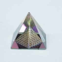 Double Crystal Pyramid 40 mm