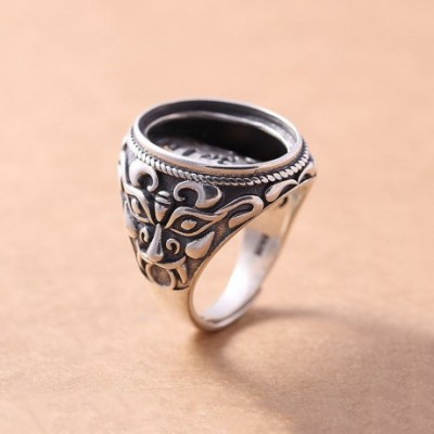 Angry Face Solid Silver Adjustable Ring Oval Gem
